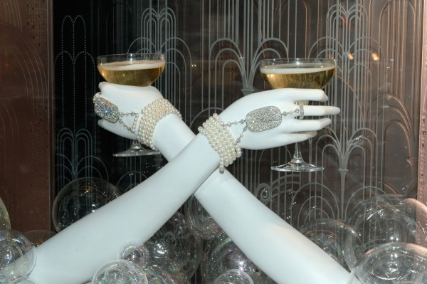 Tiffany-Great-Gatsby-Inspired-Designs-Champagne-Pearls